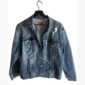 LEVIS oversized women's distressed denim jacket M